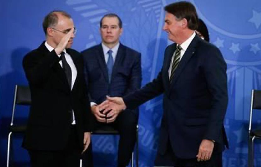 Após ser indicado ao STF, André Mendonça agradece e se diz 'à disposição' do Senado