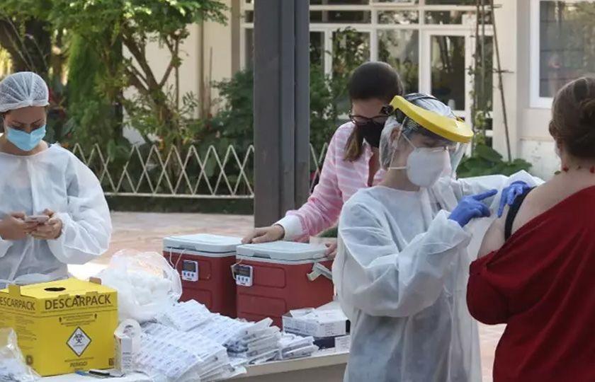 Vacinação em massa em Botucatu (SP) reduz casos de Covid-19 em 71%